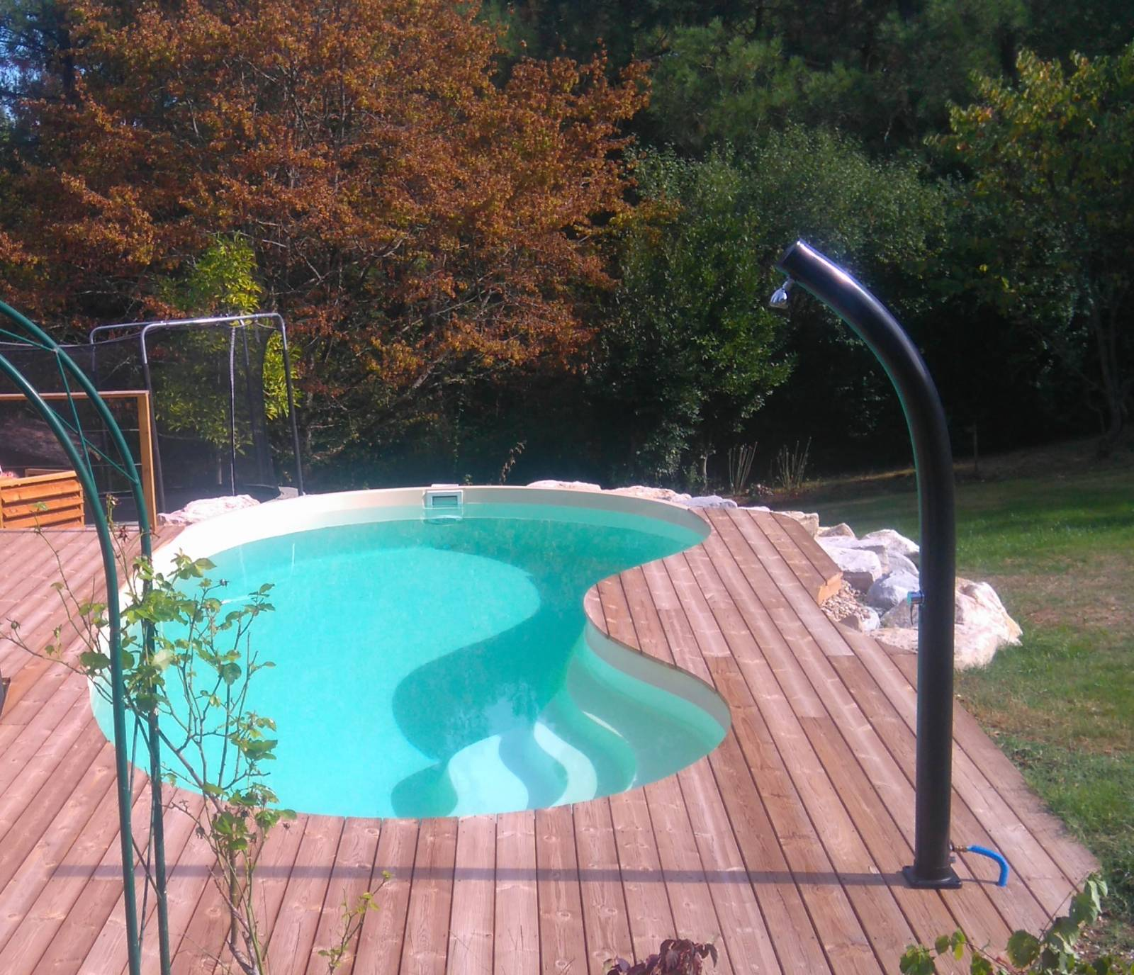 PISCINES COQUES POLYESTER ATYPIQUE PENTE DOUCE FORME HARICOT RINON 65 GIRONDE - Achat de piscine ...